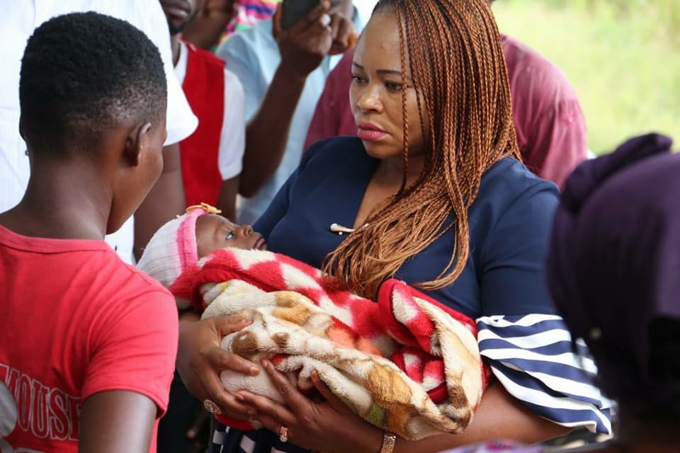 IKONO FIRST LADY RESCUES ABANDONED BABY