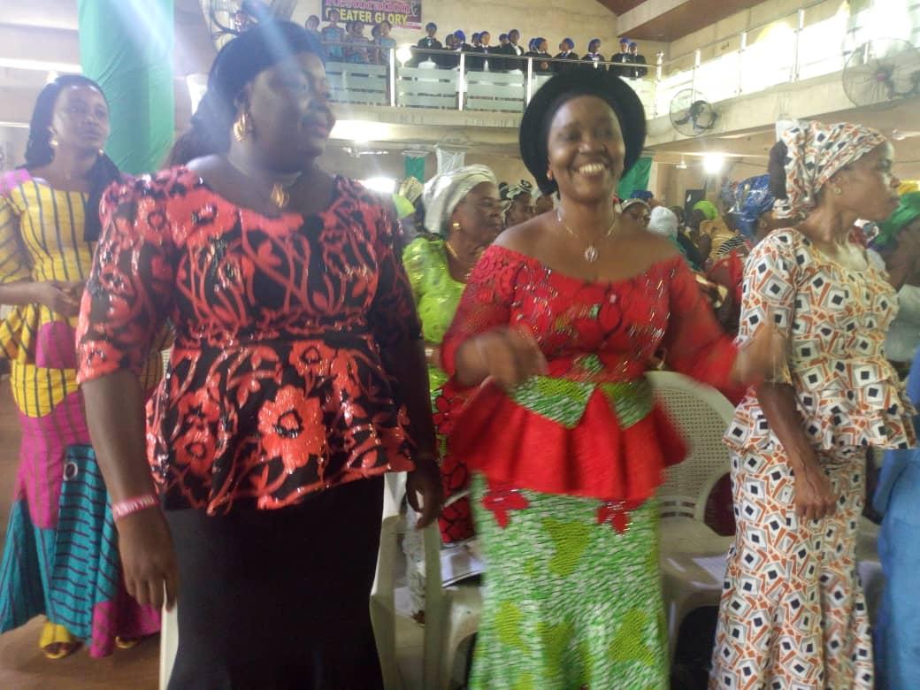 Photo of Uyo Chairman's wife inaugurates 'Feed my Lamb' programme