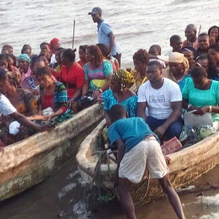 Photo of PHOTOS OF WOMEN CROSSING HIGH SEA TO CAMPAIGN IN AKWA IBOM