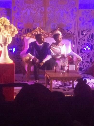 bestseller Idiots With BSC, Collins Oscar WEDDING dress took his beautiful bride
