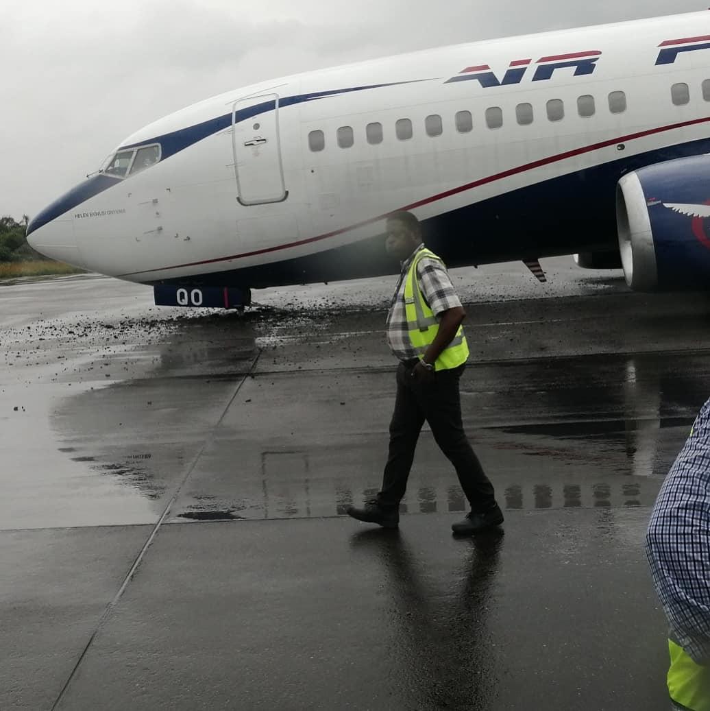 Photo of Air Peace aircraft makes an emergency landing at Lagos airport