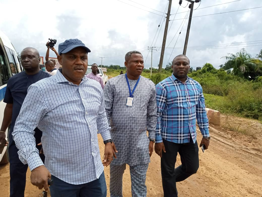 Photo of NATIONAL ASSEMBLY COMMITTEE UNCOVERS THE TRUTH BEHIND ABANDONED CALABAR – ODUKPANI – ITU – IKOT EKPENE ROAD