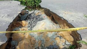 AKWA IBOM GOVT ORDERS FOR EMERGENCY REPAIRS OF COLLAPSED SECTION OF IKOT AKPADEN – OKOROETE ROAD IN EASTERN OBOLO